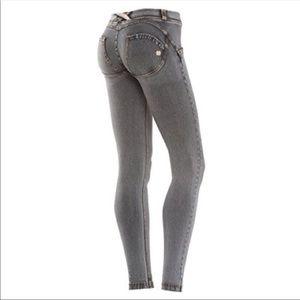 New Freddy leggings pants small 4 gray